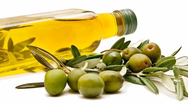 12. 4 Manfaat Minyak Zaitun Untuk Wajah